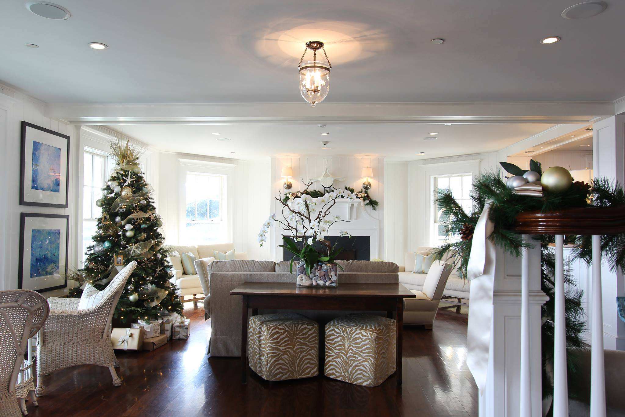 Deck the halls with the help of Lisa Pyden